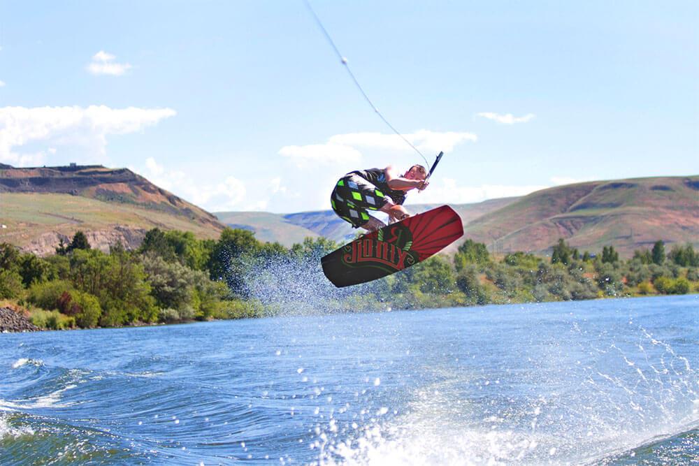visit-lewis-clark-wakeboarding