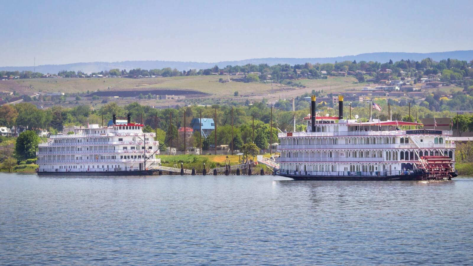 Cruise Ships docking in Clarkston, WA